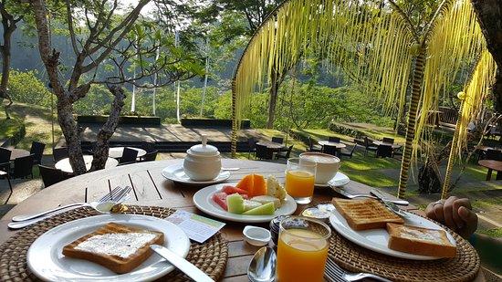 Maya Ubud Resort & Spa: Desayuno en Maya Ubud