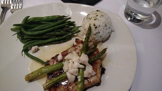 Willow Grove, Pensilvanya: Chilean Sea Bass with Jasmine Rice & Green Beans