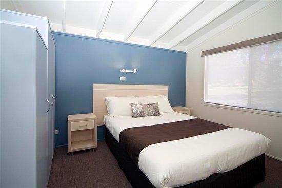 Shoalhaven, Australia: Ocean Cables Cabin Main Bedroom