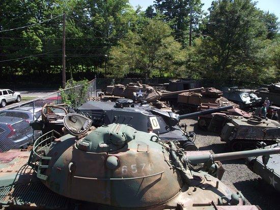 Danbury, CT: Tanks