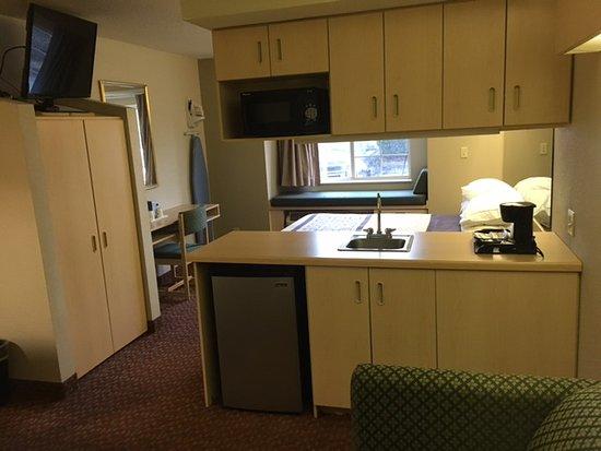 Microtel Inn & Suites by Wyndham Burlington Photo