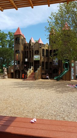 Kids Castle: 20160827_140356_large.jpg