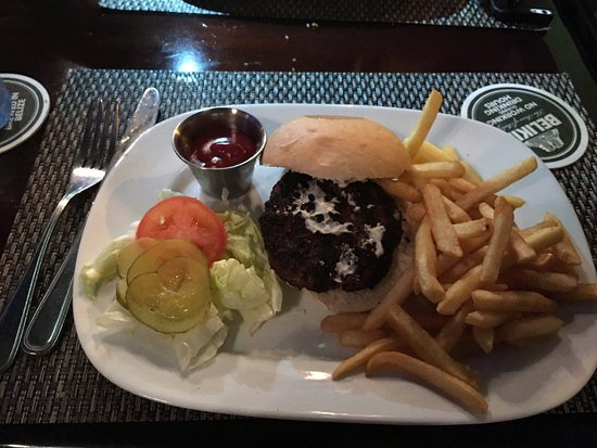 Riverside Tavern: This is indeed the best place to eat in Belize City