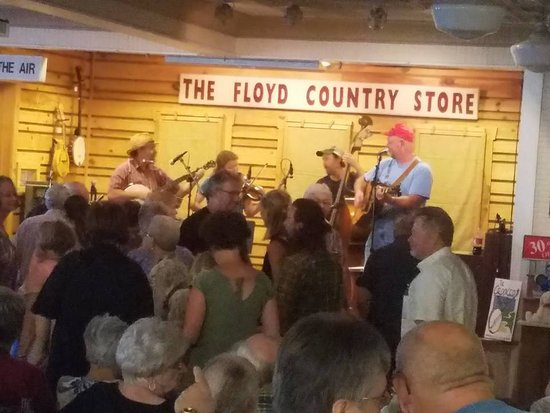 Floyd Country Store: full dance floor