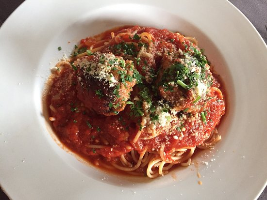 La Brezza Ristorante: Average Food at a steep price