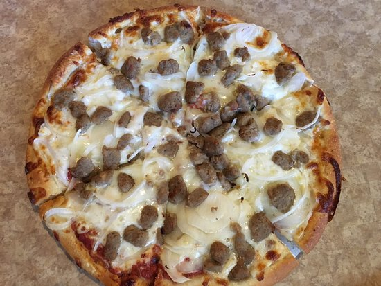 Leesburg, FL: Small Pizza with Ground Beef and Oniom
