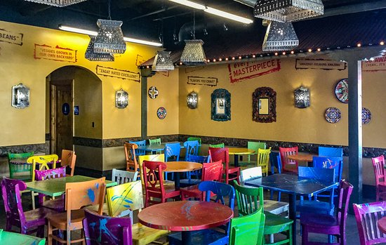 Lake Forest, Californien: Cheerful South of the Border Cantina Ambience