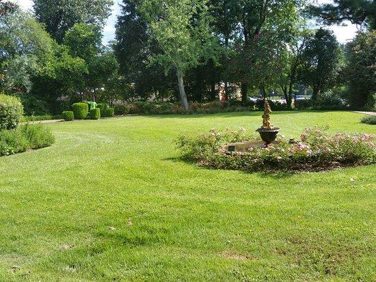 Mynelle Gardens: 20160827_152138_large.jpg