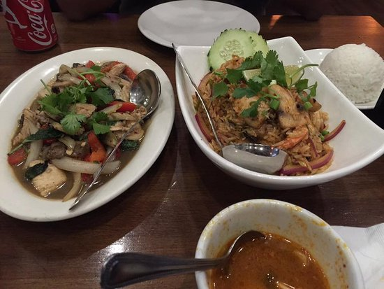 ‪‪Titaya's Thai Cuisine‬: tom yum shrimp rice and classic thai chicken‬
