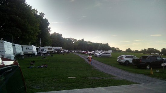 Sned-Acres Family Campgroud: RV sites