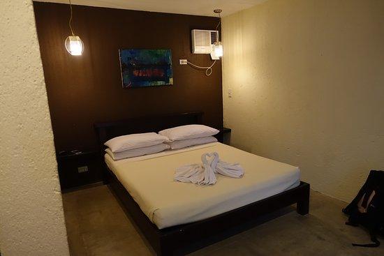 ذا ليزي دوج بد آند بركفاست: 1大床的小房間