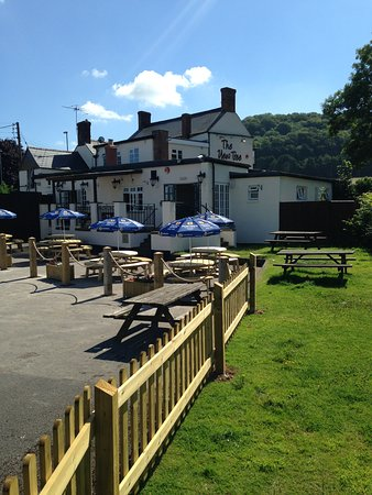 Dursley, UK: Beer Garden
