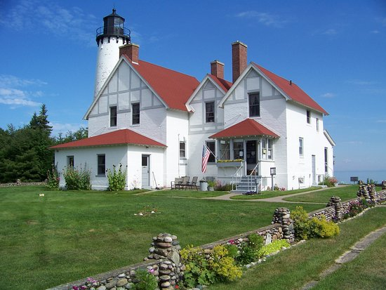 ‪Point Iroquois Light Station‬