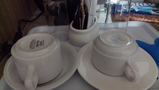 Novotel Surabaya Hotel and Suites: different coffee cup from minibar