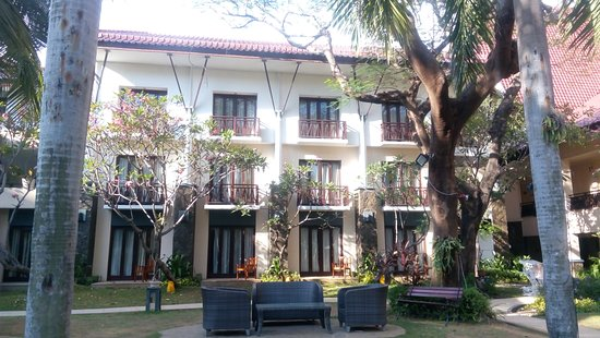 Novotel Surabaya Hotel and Suites: nice spot at garden