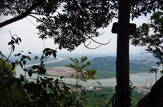 Mount Santubong: The view of the river at Point F10 (out of 14)