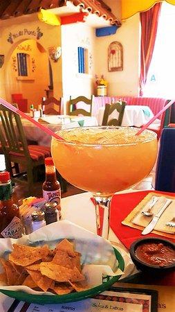 ลาเมซา, แคลิฟอร์เนีย: 48 oz. Margarita for 2 People