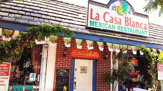 La Mesa, Californië: La Casa Blanca Restaurant Entrance