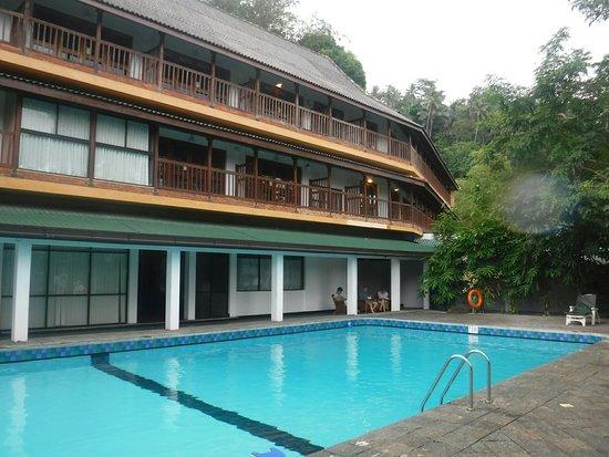 Hotel Hilltop: Swimming pool