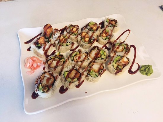 Pearl Sushi: Crazy boy roll!