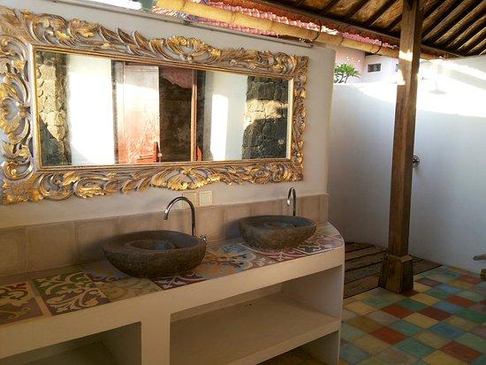 Balila Beach Resort: bathroom