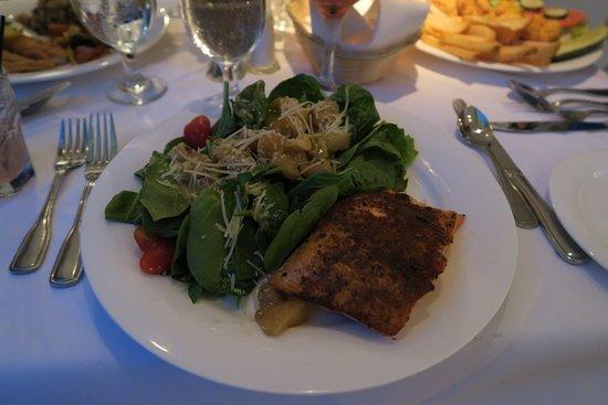 Nottoway Plantation Resort: Salade saumon