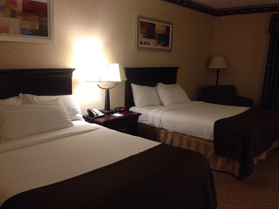 Winona, MN: Nice rooms, restaurant on site, friendly staff. Will stay there again