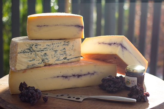 Coffs Harbour, Australia: Cheeses from the deli