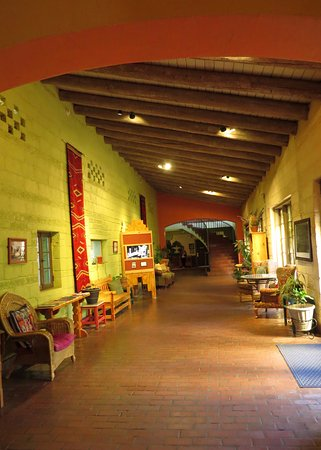 La Posada Hotel: High ceilings and vigas are complimented by art and period furniture.