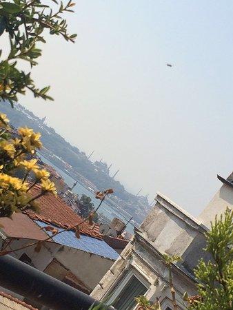 View from the breakfast terrace ayramin hotel stanbul for Ayramin hotel taksim