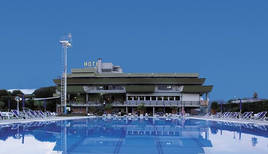 Gragnano, Itália: Fronte Hotel vista Piscina