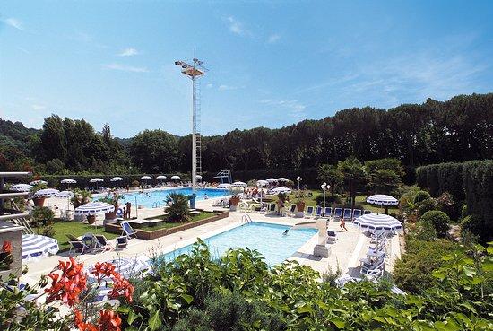 Gragnano, Itália: Vista dall'alto piscine