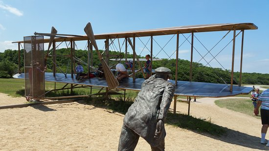 Wright Brothers National Memorial: Plane sculpture