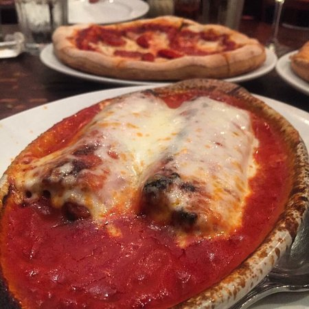 ร็อกลิน, แคลิฟอร์เนีย: Via Roma Pizzeria