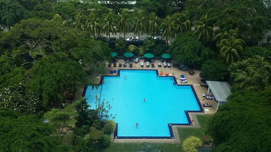 Cinnamon Grand Colombo: Pool view from 8th floor