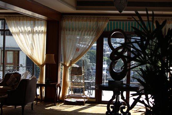 The Manu Maharani Hotel Photo