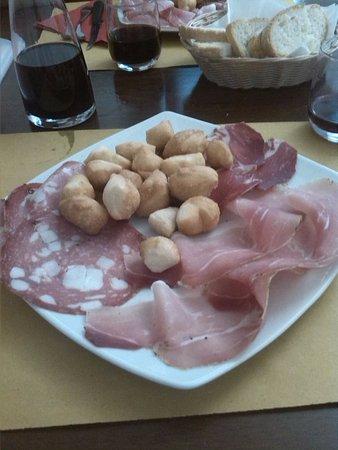 Braccagni, Italia: Salumi toscani con donzelle