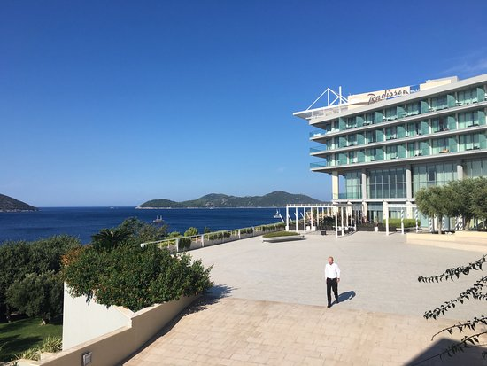 Orasac, โครเอเชีย: Walking to breakfast