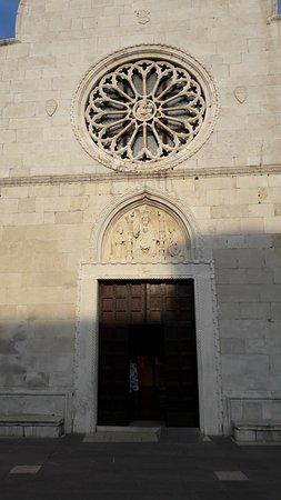 Muggia, İtalya: Particolare facciata del Duomo