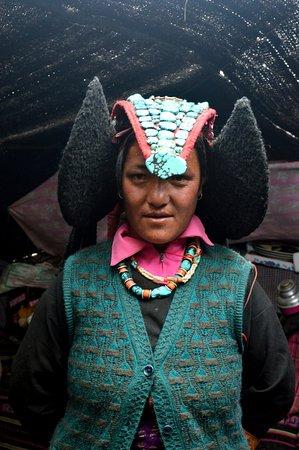 Bomdila, อินเดีย: Nomadic Tribal Woman, Tsomoriri Lake, Ladakh
