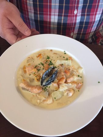 Portnablagh, Ierland: August 2016 beautiful dining room and bar food excellent