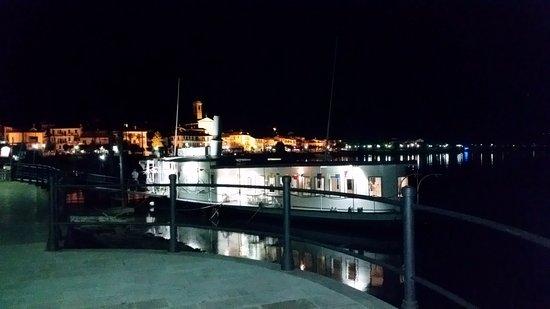Feriolo, Italia: davvero molto romantico cenare all'aperto sul lago