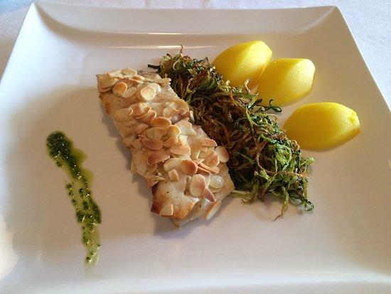 Mar Dolomit: Filetto di ombrina in crosta di mandorle