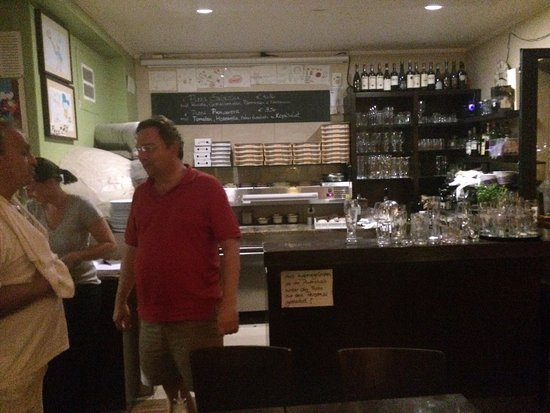 Königstein im Taunus, Tyskland: Pizza, Pasta, Gastraum