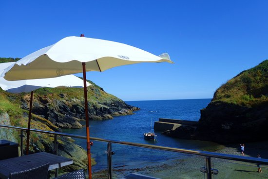 Portloe, UK: Bar patio area
