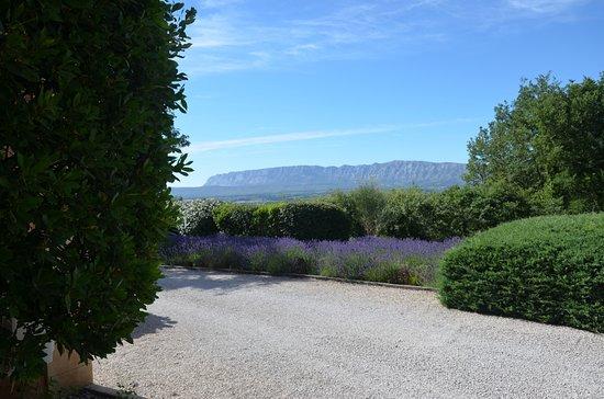 Trets, France: Vista su Sainte-Victoire