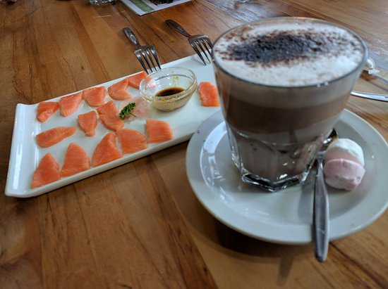 Westland National Park (Te Wahipounamu), Nieuw-Zeeland: Sashimi and hot chocolate