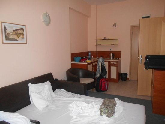 Hotel Niky: il salotto trasformabile in seconda stanza