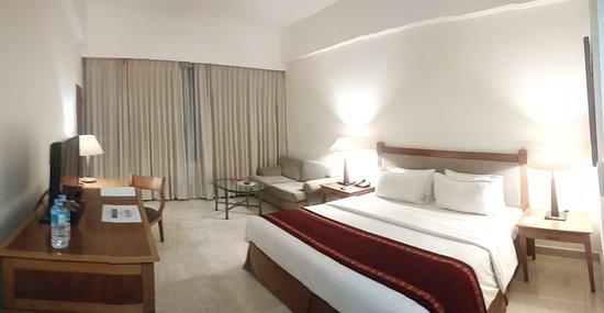 Hotel Aryaduta Manado: Kamar yg dilengkapi sofa
