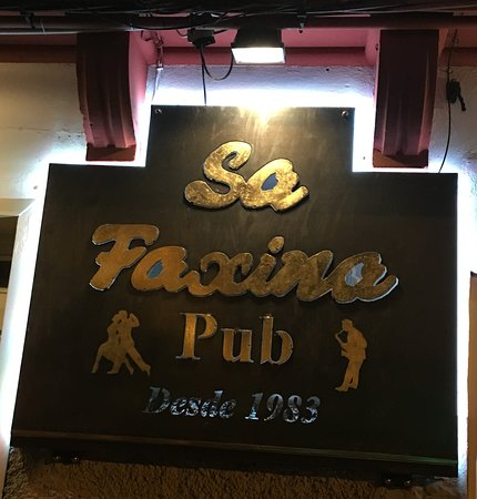 Sa Faxina Pub